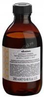 Davines Alchemic shampoo for natural and coloured hair (Оттеночный шампунь «Алхимик» для натуральных и окрашенных волос, золотой), 280 мл - купить, цена со скидкой